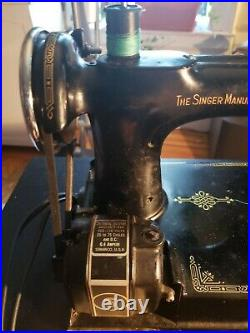 1936 Singer Featherweight 221 Sewing Machine Serial # AE085091