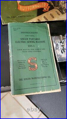 1937 Singer Featherweight Sewing Machine 221-1 Withcase And Accessories. NO RETURNS