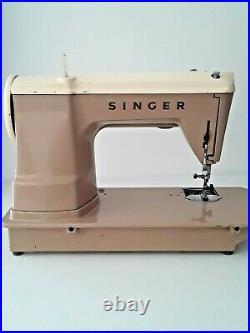 1958 Vintage Singer Model 404 Sewing Machine Slant needle straight Stitch