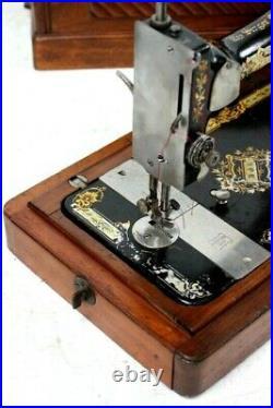 Antique Singer 28K Hand Crank Sewing Machine c1898 5778
