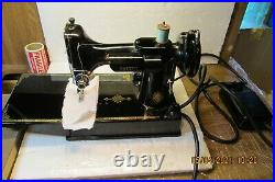 Beautiful Pre-Owned Singer 221 Featherweight Sewing Machine 1952 AL207818