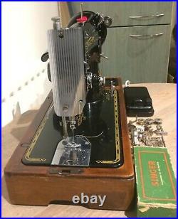 Beautiful Vintage Singer 201, 201K4 electric sewing machine, Old electric singer
