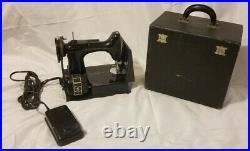 Black 1948 SINGER FEATHERWEIGHT 221-1 SEWING MACHINE W Case, Accessories Bundle