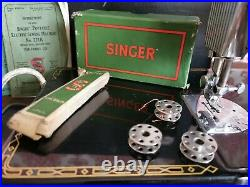 Collectible Singer 221K Featherweight Sewing Machine