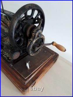 Rare 1902 model Singer 48k Ottoman Hand Crank sewing machine R679361
