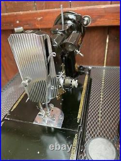 SEWING MACHINE SINGER FEATHERWEIGHT 221-1 Series AH 1948 RARE Motor Plate