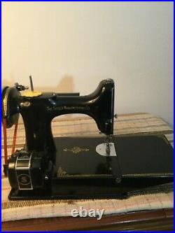SINGER 221 Featherweight Sewing Machine-Early School-Bell model circa 1934