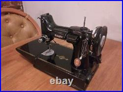 SINGER Featherweight Sewing Machine 221-1 Excellent Condition Super Complete AK