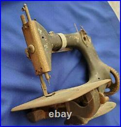 SINGER model 24-3 Chainstitch Sewing Machine Vintage BENDIX AVIATION LTD RARE