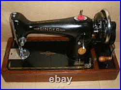 STUNNING VINTAGE SINGER 201k HAND CRANK SEWING MACHINE WITH BENTWOOD CASE
