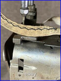 Singer 112-4 Straw Hat Sewing Machine with base. Zig Zag Chainstitch