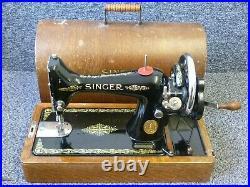 Singer 99k Hand Crank Sewing Machine in Bentwood Case 1922