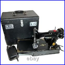 Singer Featherweight Portable Sewing Machine Cat No. 3-120 With Extras In Case