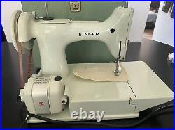 Singer Featherweight White 221K Vintage Sewing Machine withCase Serviced