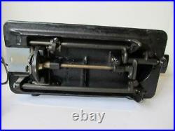 Singer Model 15 Sewing Machine AH011798