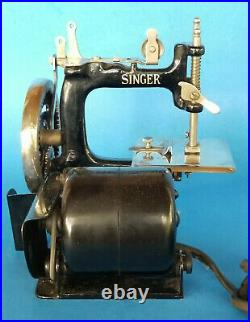 Singer Model 20-2 J-1 Sewhandy Featherweight Electric Sewing Machine