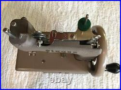 Singer Sewhandy Model 20 Sewing Machine with Clamp and Box, Tan