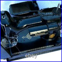 Singer Sewing Machine 678-3B Featherweight AL Serial 1952 withCase and Pedal NICE