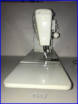 VINTAGE SINGER Sewing Machine 631G 1960s with Metal gears
