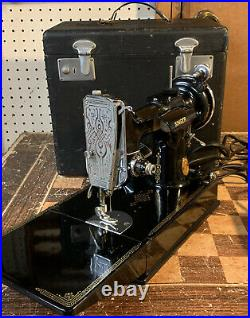 Vintage 1940 Singer 221-1 Featherweight Sewing Machine WithCase Working Condition