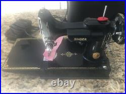 Vintage SINGER 221-1 FEATHERWEIGHT Early1950s SEWING MACHINE + Portable Case