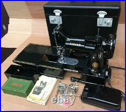 Vintage Singer 222K Featherweight Free Arm Sewing Machine, accessories & Manual