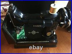 Vintage Singer Featherweight 221 1948 Sewing Machine AH579392