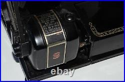 Vintage Singer Featherweight 222K sewing machine. Working. Very original