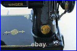 Vintage Singer Featherweight Sewing Machine CAT 3-120 with Foot Pedal READ DESCRIP