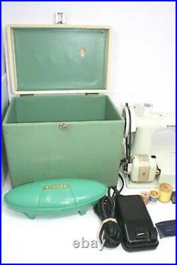 Vintage Singer White Featherweight Model 221 K Portable Sewing Machine 1964