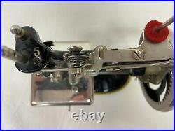 Vtg Child's Toys 1920 Miniature Sewing Machine 20 Singer Hand Crank Original Box